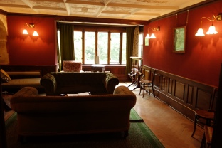 8-The Red Room in Limnerslease