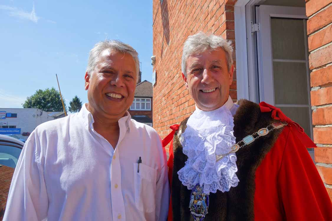 2 The Mayor Arrives And Is Greeted By Postmaster Surinder Gandhum