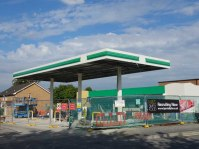 Canopy under construction at Lightwater BP Filing Station