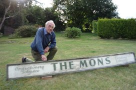 The Mons sign & Ken Sibley