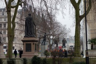 2-Parliament Square_from_Supreme_Court