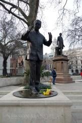 4-Mandela_statue_Parliament_Square