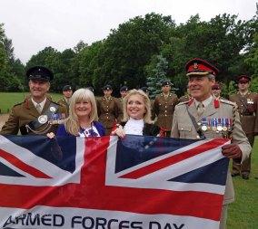 1-Lt Col Dan Rex, Karen Whelan, Mayor Cllr Joanne Potter, Brig Allan McLeod