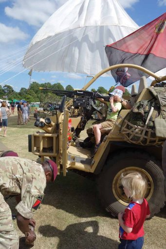 9-Loading ammo into a Jackal 2