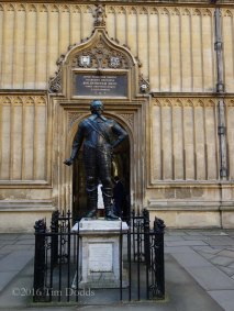 2-Bodleian Library entrance