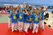 3-Judo team with Trophy