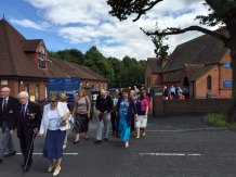 2-Congregation walks to Lightwater war memorial