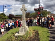 3a-Congregation gathers at the war memorial