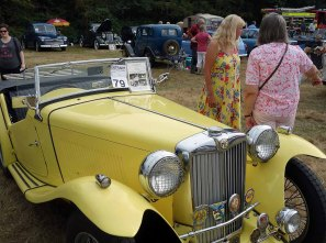 9-Jany chats with the owner of a 1949 MG TC