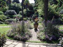 1-abbotsbury-gardens