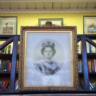 5-queen-victoria-a-library-benefactor
