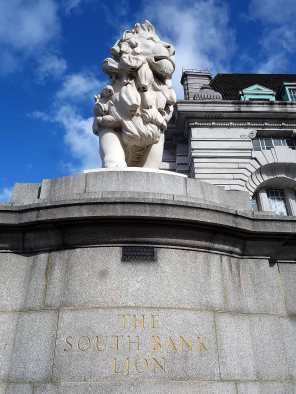 1-the-south-bank-lion