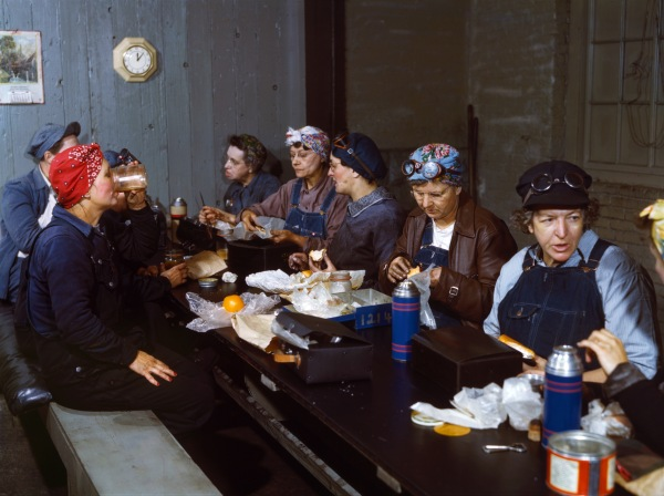 Women workers employed as wipers in the roundhouse having lunch in their rest room, C. & N.W. R.R., Clinton, Iowa - Photograph shows Marcella Hart at left, Mrs. Elibia Siematter at right.
