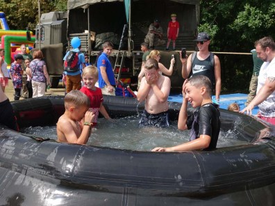 9-Kids cooling off