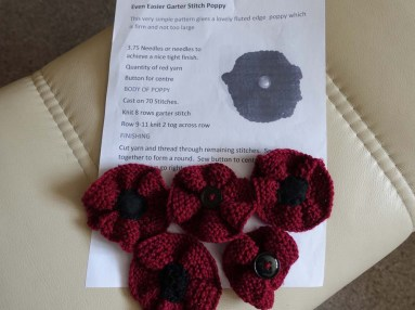 Knitted poppies_1