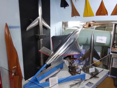 8-Wind tunnel models