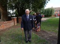 Jim Henbest at Bisley Village Hall plaques unvieling (11)