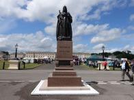 2-Queen Victoria Statue