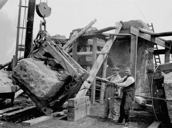 stonehenge-restoration-1919-1
