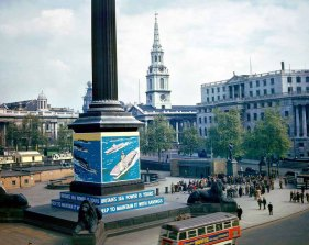 4-Nelson's Column in 1944 photo from Babel Colour