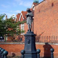 2-Lord Pirbright 's Hall drinking fountain